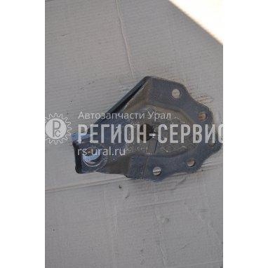 4320-2902444-Кронштейн передний правый, передней рессоры фото
