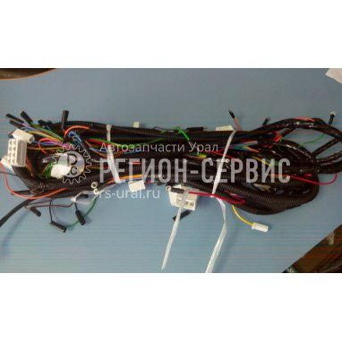 32551-3724175-Пучок проводов светотехники фото